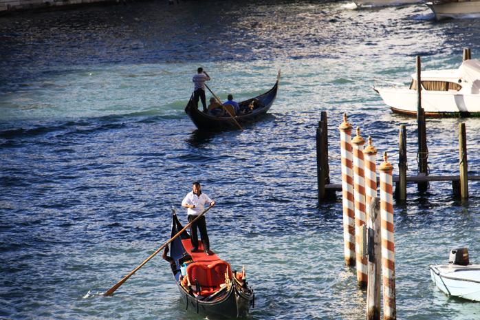 Gondolas-venecia