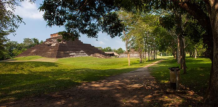 La-zona-arqueológica-de-Comalcalco