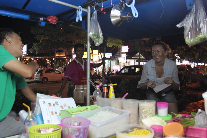 gosi-en-el-puesto-callejero-tailandia-molaviajar