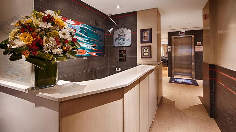 Apartamento Nueva York. BEST WESTERN PLUS Hospitality House